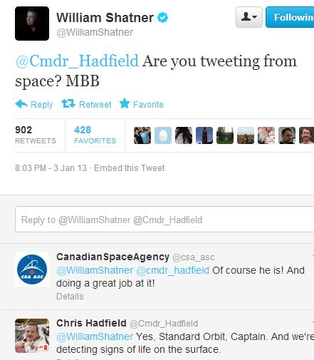 Captain Kirk alias William Shatner twittert in den Weltraum. Screenshot: silicon.de