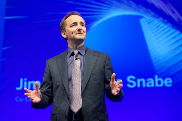 "Jim Hagemann Snabe stellt die ""Revolution"" der Business Suite auf der In-Memroy-Technologie HANA in Frankfurt vor. Quelle: SAP"