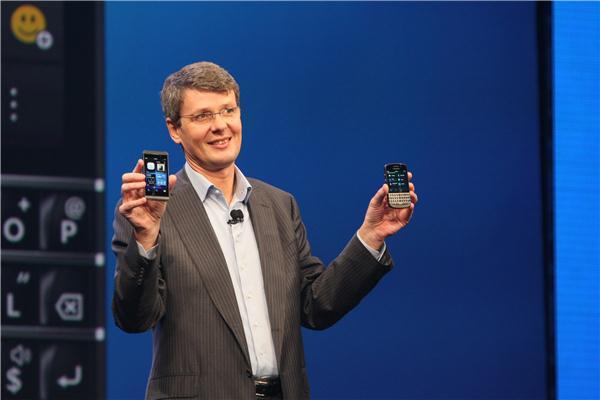 Thorsten Heins, der deutsche CEO des kanadischen Smartphone-Herstellers Blackberry, bei der Vorstellung des aktuellen Mobile-OS Blackberry 10 (Bild: CNET)