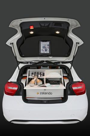 Zalandos Fashion Box funktioniert nur mit Augemented Reality. Quelle: Zalando ZalandoFashionConceptCar_FrankHerzog_9_2