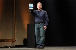 Phil Schiller präsentiert das iPad Mini. Quelle: CNET.