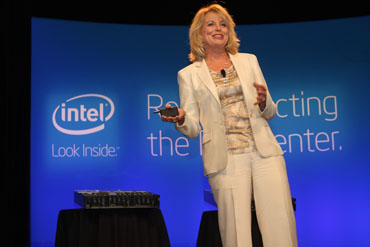 Diane Bryant, Vice President und General Manager Datacenter and Connected Systems Group bei Intel. Quelle: Intel