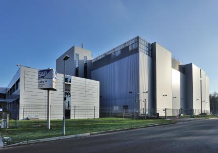 Standortvorteil von St. Leon-Rot: hier gilt der deutsche Datenschutz. SAP will jetzt aus diesem Regelwerk Kapital schlagen und weitet weltweit die Investitionen in Rechenzentrumsinfrastruktur aus. Quelle. SAP