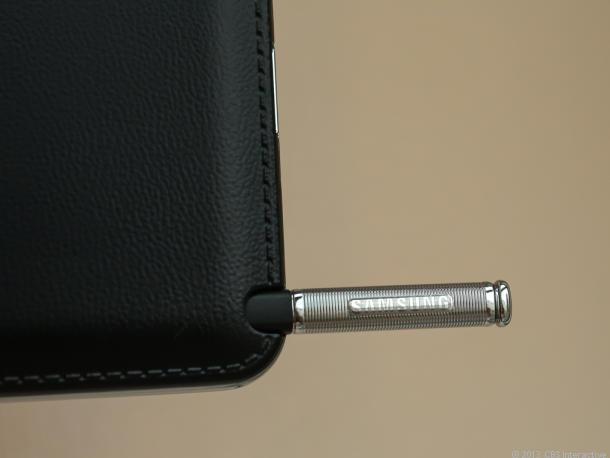 Lederoptik und Stift des Samsung Galaxy Note 3 (Bild: News.com)