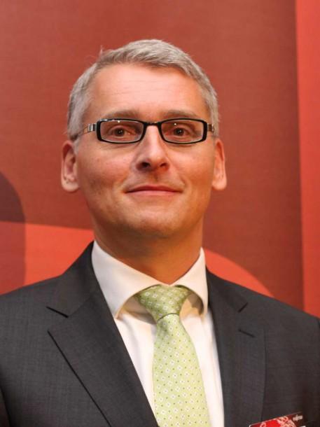 Juergen Walter, Chef Fujitsu Central Europe, hofft als Services-Unternehmen wieder Gewinn schreiben zu können. Quelle: Martin Schindler