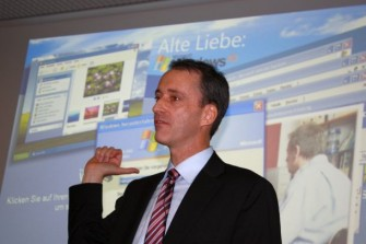 """""""Sorgenkinder"""", so Microsoft-Manager Oliver Gürtler auf der CeBIT, """"sind in Bezug auf Windows XP vor allem kleine und mittelgroße Unternehmen"""". Quelle: ITespresso"""