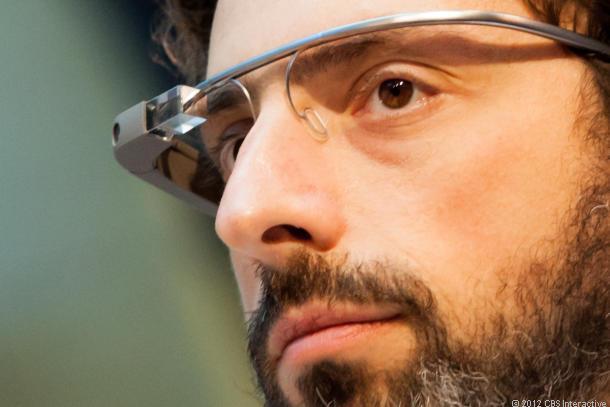 Google-Mitgründer Sergej Brin trägt Google Glass (Bild: James Martin / CNEt.com)