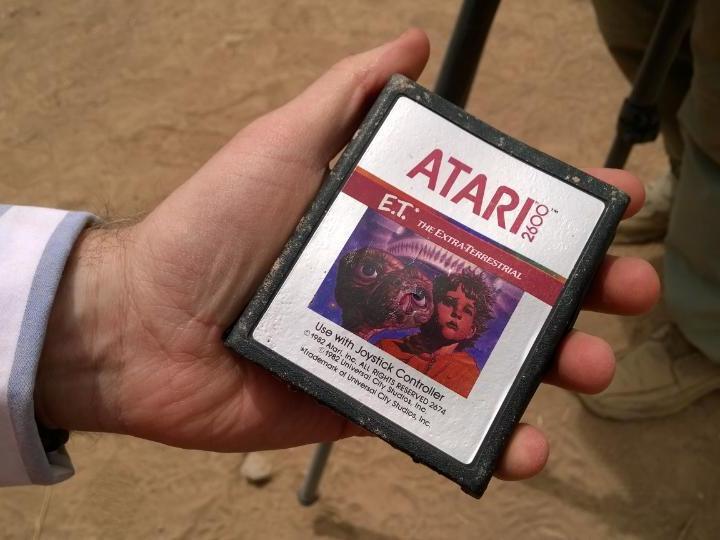 Die Legende ist wahr. Atari hat das Spiel E.T. - Der Außerirdische auf einer Müllhalde vergraben. (Bild: Larry Hryb)