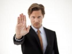 Stopp (Bild: Shutterstock/Rugdal)