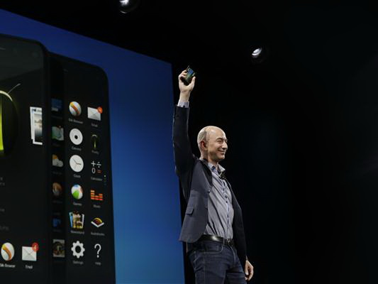Amazon-CEO Jeff Bezos präsentiert das Fire Phone (Bild: James Martin / CNET)