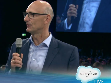 Timotheus Höttges, Chef der Deutschen Telekom auf der Salesforce1 World Tour in München, will als neuer Vertriebs- und Rechenzentrumspartner von Salesforce.com vor allem den deutschen Mittelstand adressieren. Quelle: Screenshot - silicon.de