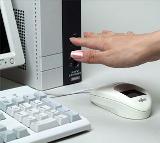 Handvenenerkennung gilt derzeit als eine der sichersten biometrischen Authentifizierungsverfahren. Mit der PalmSecure-Lösung mit bioLock sichert Fujitsu nun auch große Backend-Systeme wie zum Beispiel SAP. Quelle. Fujitsu