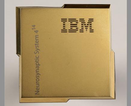 IMBs neuer neurosynaptischer Chip TrueNorth. Quelle: IBM