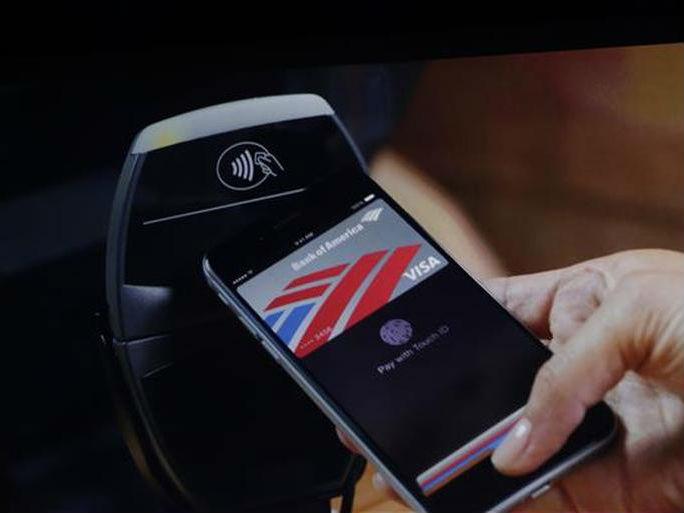 Apple Pay basiert auf NFC. Allerdings gibt es rund um den Dienst noch viele offene Fragen. Bild: James Martin/CNET