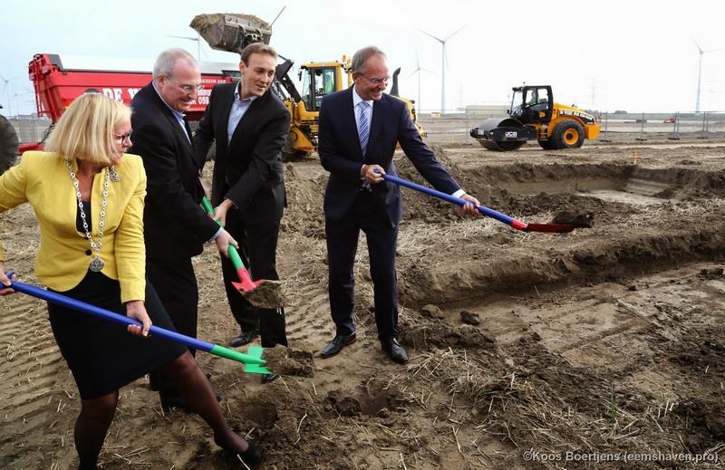 Erster Spatenstich für Googles neues Rechenzentrum in den Niederlanden (Bild: Google/Koos Boertjens).