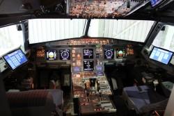 Surface 3 Pro im Cockpit einer Austrian A320 (Bild: Microsoft)
