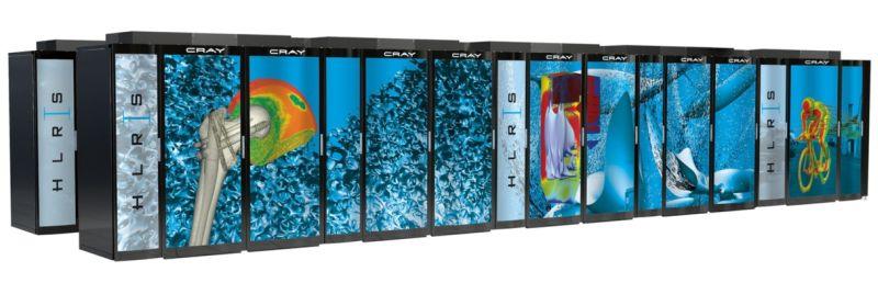 Hornet ist  der neue Superrechner der Universität Stuttgart und rangiert mit knapp 3,8 Petaflops derzeit auf Platz 16 der weltweit schnellsten Rechner. (Bild: HLRS)