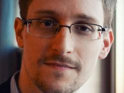 """Im Oktober 2015 < a href=""""http://www.silicon.de/41615148/snowden-haelt-rede-auf-ip-expo-europe-2015/"""" target=""""_extern"""">sprach Edward Snowden auf der IP Expo Europe 2015 in London über """"die Wahrheit über unsere Privatsphäre"""" und die Auswirkungen auf die nationale Sicherheit (Bild: Deutsche Messe)."""