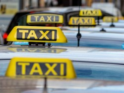 Taxis (Bild: Shutterstock / Lisa S.)
