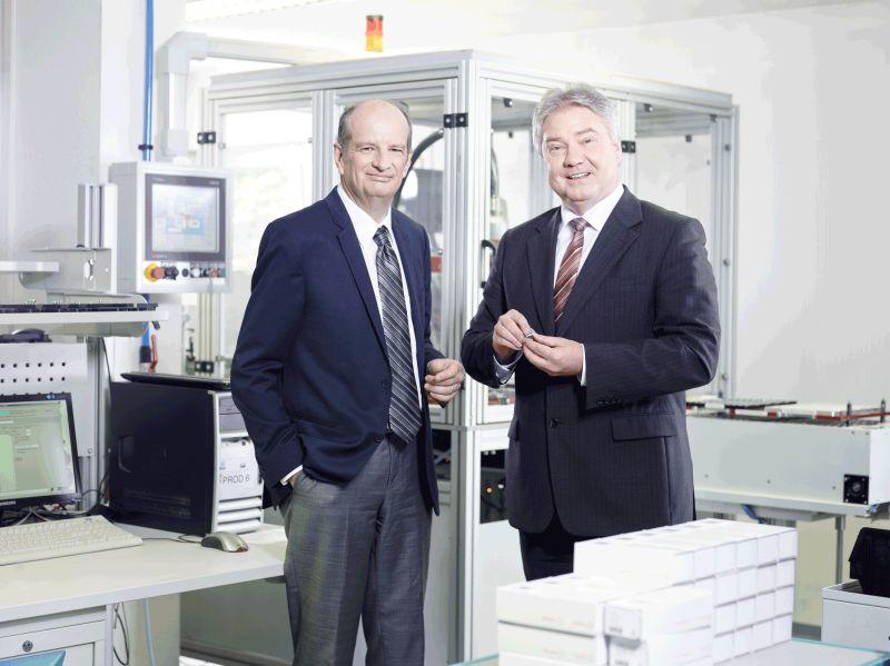 Die Gründer der Wibu-Systems Oliver Winzenried und Marcellus Buchheit (Bild: Wibu-Systems).