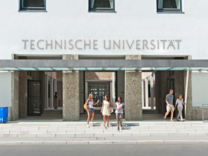 Haupteingang der TU München. (Bild: Benz / TUM)