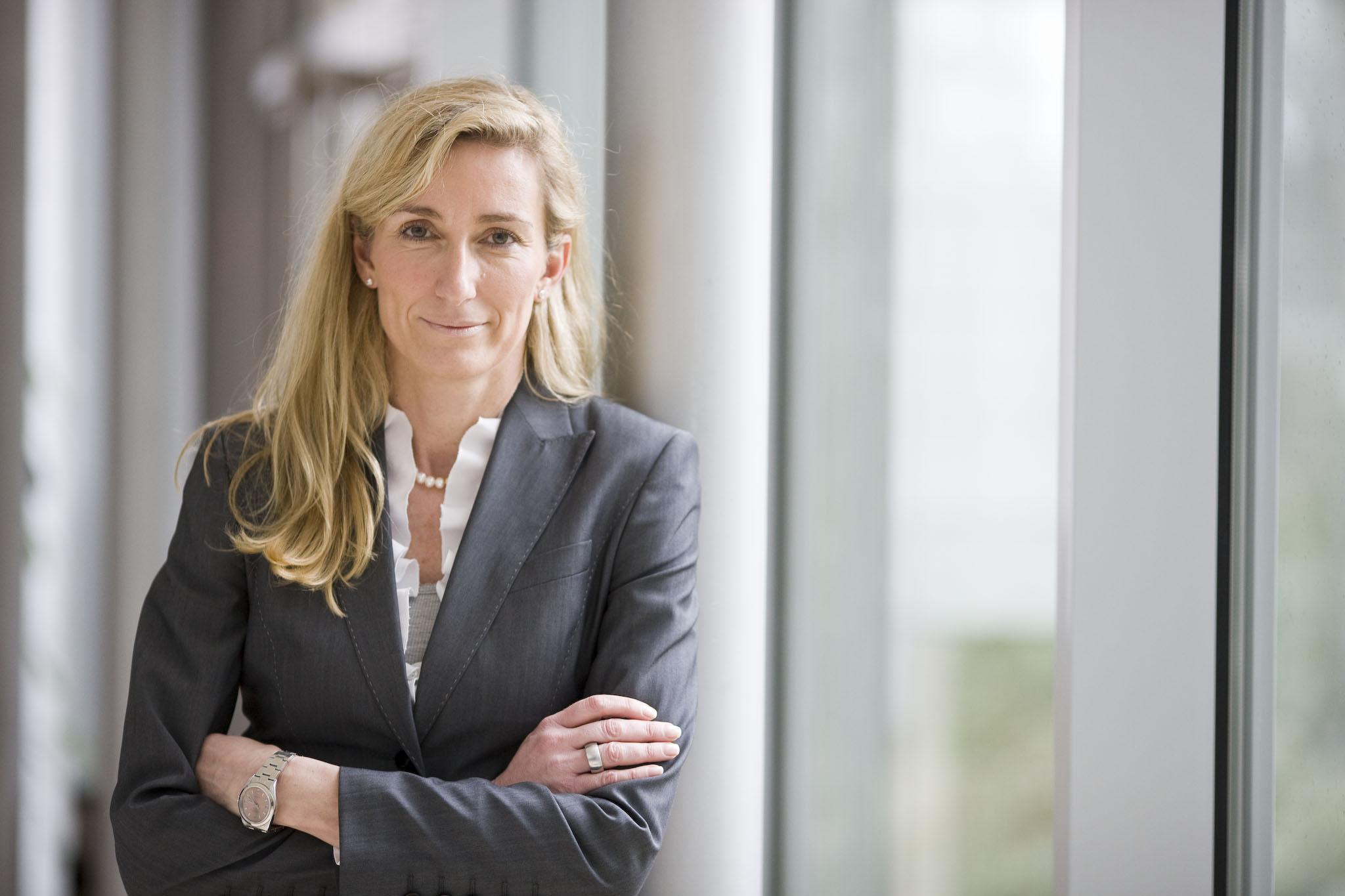 Anette Bronder wechselt von Vodafone in die T-Systems-Geschäftsleitung. Hier soll sie vor allem die Digitalisierungsstrategie von Unternehmenskunden verantworten. (Bild: T-Systems)