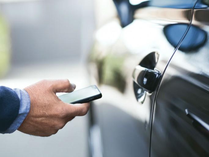 Smartphones oder Wearables können ein erhöhtes Sicherheitsrisiko bedeuten. (Bild: Intel)