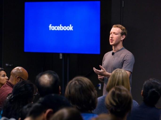 """Mark Zuckerberg will keine Community aufbauen, in der Menschen """"niedergestimmt"""" werden. Dennoch arbeite Facebook derzeit daran, Nutzern neue Möglichkeiten für das Ausdrücken von Gefühlen zu geben. (Bild: Facebook)"""
