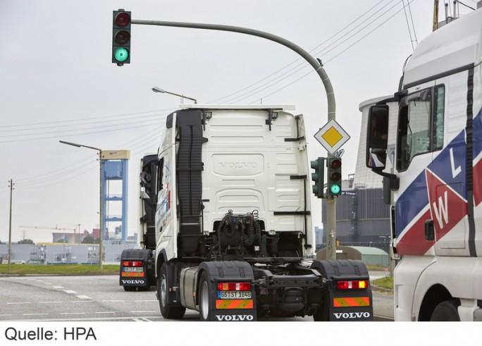 HPA und NXP stellen intelligente Ampel vor und setzten diese für Verkehrslösung SmartPort in Hamburg ein. (Bild: Hamburg Port Autorithy)