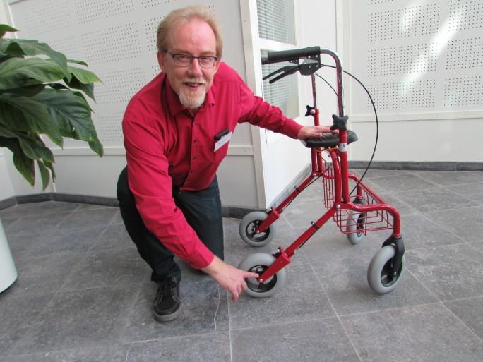 Quantified Seniors: Die finnische Forschungseinrichtung VTT stattet einen Rollator mit Sensoren aus und will damit mehr über das Wohlbefinden von Senioren erfahren. Olli Kuusisto, Chef-Wissenschaftler bei VTT will damit neue Services und ein besseres Leben im Alter ermöglichen. (Bild: VTT)