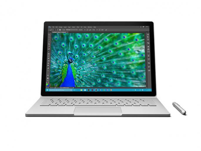 Bei Abmessungen und Gewicht liegt das Surface Book etwa gleich auf mit Apples MacBook Air. Laut Microsoft soll das Surface Book etwa doppelt so leistungsfähig sein. (Bild: Microsoft)