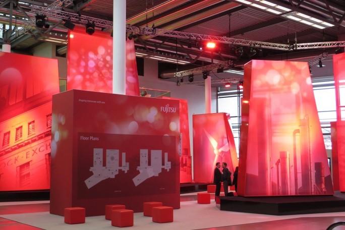 Ruhe vor dem großen Andrang: Der Eingangsbereich des Fujitsu Forums 2015 auf der Münchner Messe. (Foto: Mehmet Toprak)