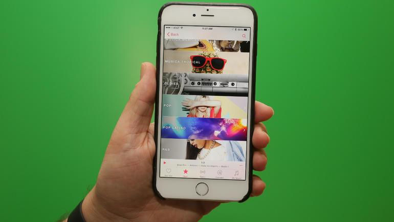 Apple rüstet den jungen Streaming-Dienst Apple Music gegen die Konkurrenz von Spotify auf. (Bild: CNET.com)