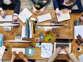 """Industrie 4.0 bedeutet nicht weniger als eine Revolution der Art und Weise, wie wir künftig arbeiten werden. Schon heute wird sichtbar, wie tiefgreifend die Auswirkungen einer vernetzten, digitalisierten Wirtschaft auf den Arbeitsmarkt sind. Es gilt, jetzt die richtigen Weichen in Richtung """"Arbeit 4.0"""" zu stellen, so Hartmut Thomsen, Geschäftsführer SAP SE im silicon.de-Blog."""