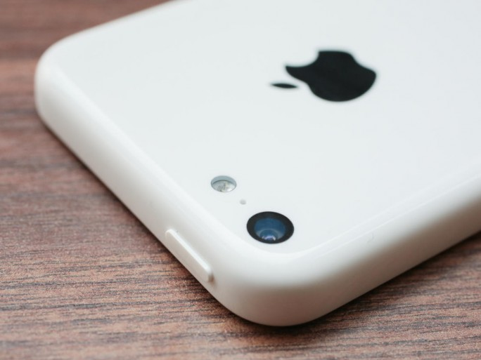 Apple iPhone 5C (Foto: CNET.com).