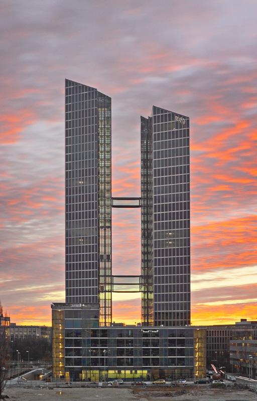 IBM soll Presseberichten zufolge in den Münchner Highlight-Towers ein neues Innovationszentrum mit 1000 neuen Arbeitsplätzen errichten wollen. (Bild: Highlight-Towers.de)