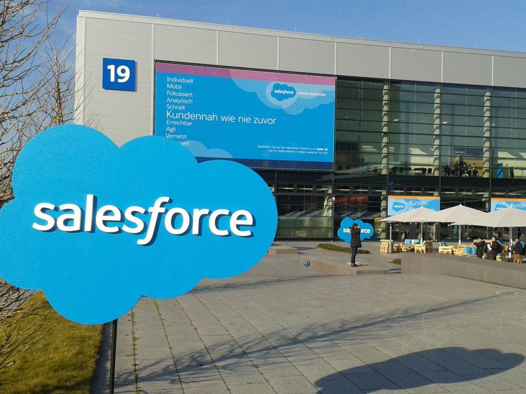 Salesforce belegt mit der S Kundenveranstaltung Salesforce World Tour gleich zwei Hallen auf der CeBIT. (Bild: ITespresso)