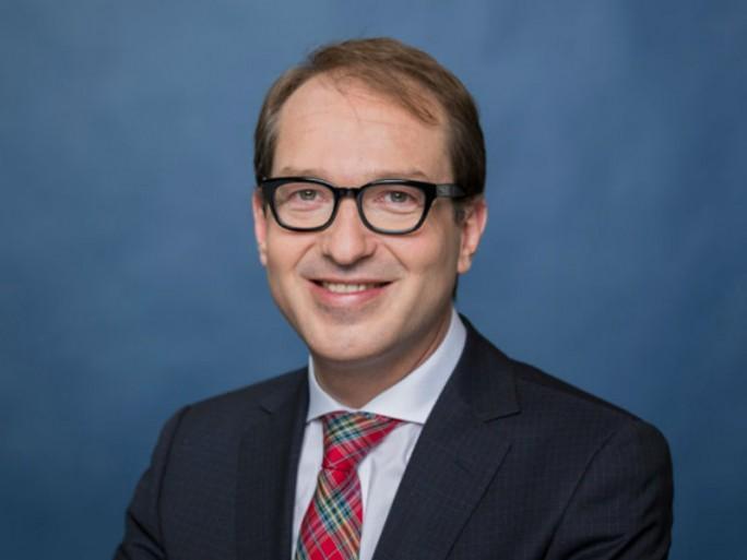 Bundesverkehrsminister Alexander Dobrindt will aus Deutschland einen Treiber für 5G-Technologien machen. (Bild: Bundesregierung/Kugler)