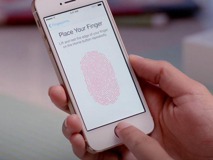 iPhone mit Touch ID (Bild: Apple)schließen