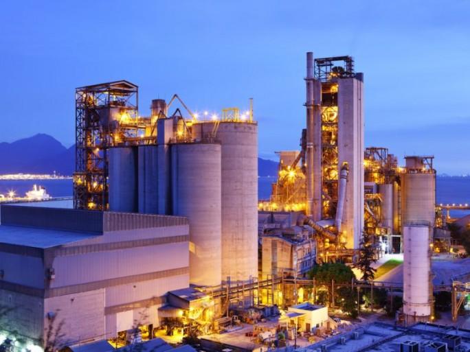 fabrik-industrie (Bild: Shutterstock)