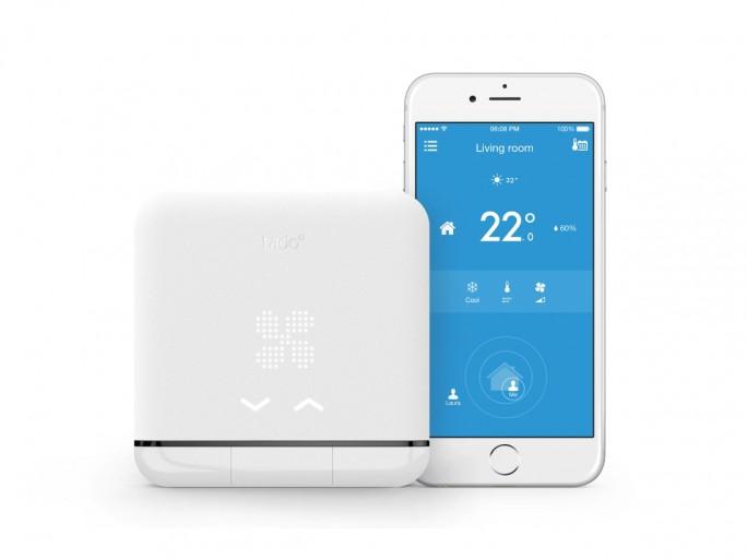 Im Zusammenspiel mit der Tado-App wärmt das Thermostat automatisch die Wohnung vor, wenn deren Besitzer sich auf den Heimweg macht (Bild: Tado).
