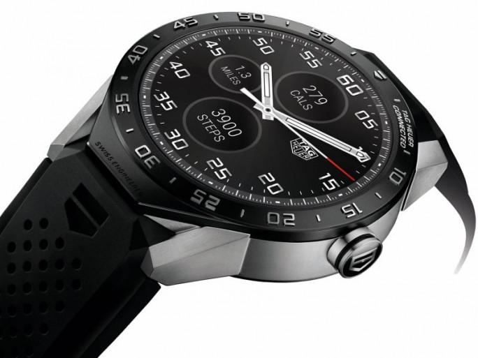 Eine Antwort der Etablierten: auf den Smartwatch-Boom: Die Tag Heuer Connected kostet 1500 Dollar respektive 1350 Euro (Bild: Tag Heuer).