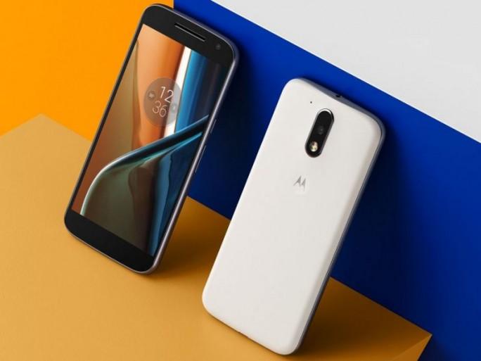 Das Moto G4 ist zwar dünner als der Vorgänger, bietet aber dafür statt einem nach IPx7-zertifizierten Gehäuse nur eine wasserabweisende Nanobeschichtung (Bild: Lenovo).