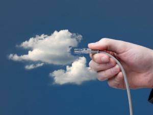 Networking via Cloud (Bild: Shutterstock/Jirsak)