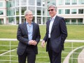 Tim Cook und Bill McDermott. (Bild: Apple)