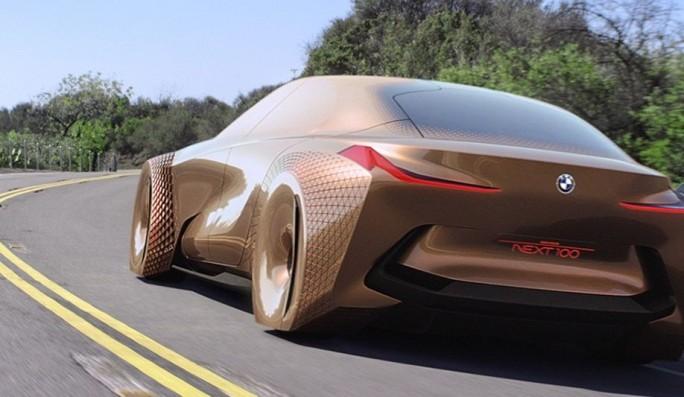 Für die Entwicklung und Produktion der nächsten Automobilgeneration - also Fahrzeuge wie den BMW Next 100 - brauchen die Hersteller und ihre Zulieferer noch mehr IT-Spezialisten als bisher (Bild: BMW)