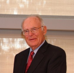 "Gordon Moore (Bild: <a href=""https://commons.wikimedia.org/w/index.php?curid=30732670"" target=""_extern"">Chemical Heritage Foundation, CC BY-SA 3.0</a>)"