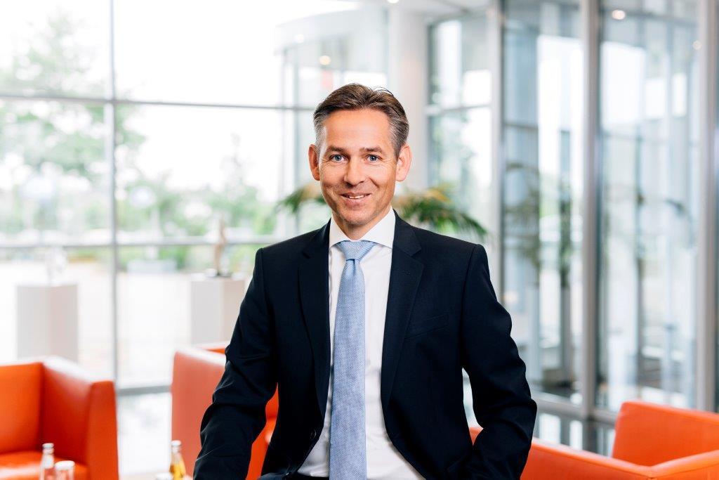 """""""Nach mehr als 35 Jahren als Unternehmer freue ich mich über die damit gefundene Nachfolgelösung und über die neuen Möglichkeiten für unsere Kunden und Mitarbeiter durch die Übernahme durch einen so etablierten und hochqualifizierten SAP Partner, wie die itelligence AG"""", kommentiert Harry Schweickert BIT.Group Hauptgesellschafter."""
