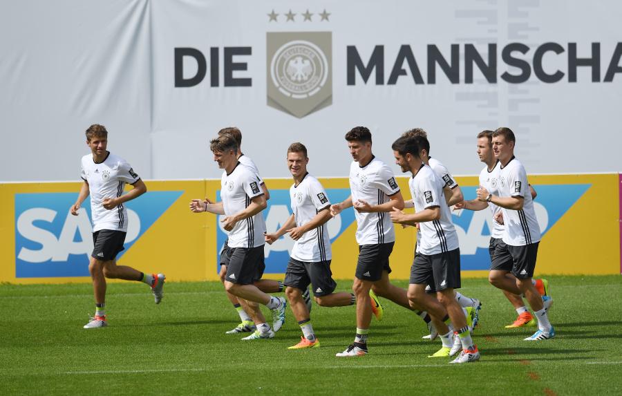 """""""Die Mannschaft"""" wird beim Training für die Europameisterschaft 2016 auch von SAP HANA unterstützt. (Bild: SAP SE)"""