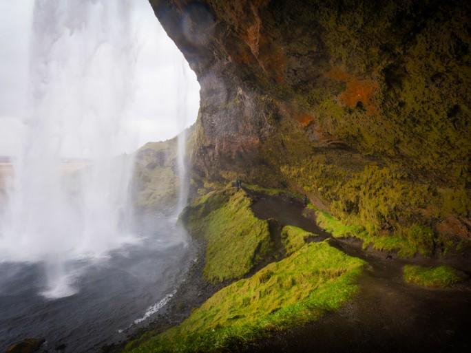 Länder wie Island mit Stromerzeugung aus CO2-niedrigen Quellen wie Wasserkraft und Geothermie eignen sich besonders für nachhaltige Stromerzeugung (Bild: Fred Rollison)